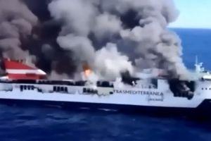 Pożar na pokładzie promu Acciona Trasmediterránea. Statek zniszczony