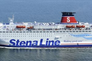 Dym na promie Stena Line wchodzącym do portu w Gdyni