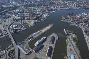 Ekologiczni zyskują więcej. Porty stawiają na statki napędzane LNG